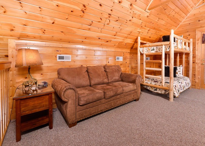 Pigeon Forge Cabin - Pioneer Place - Loft Room