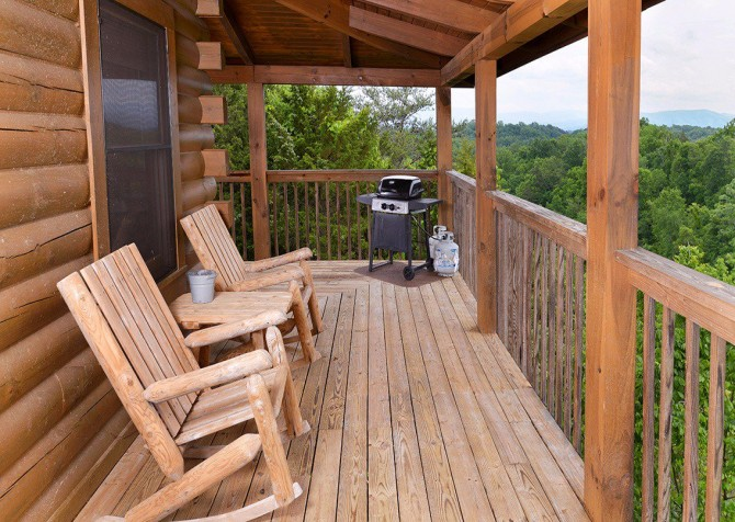 Pigeon Forge Cabin - Pioneer Place - Deck