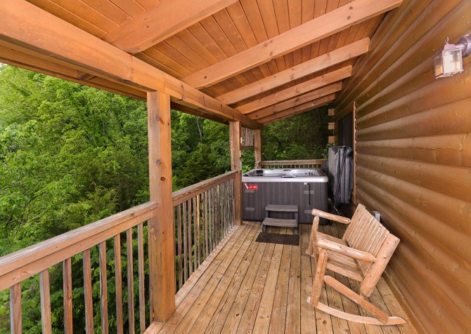 Pigeon Forge Cabin - Pioneer Place - Outdoor Hot Tub