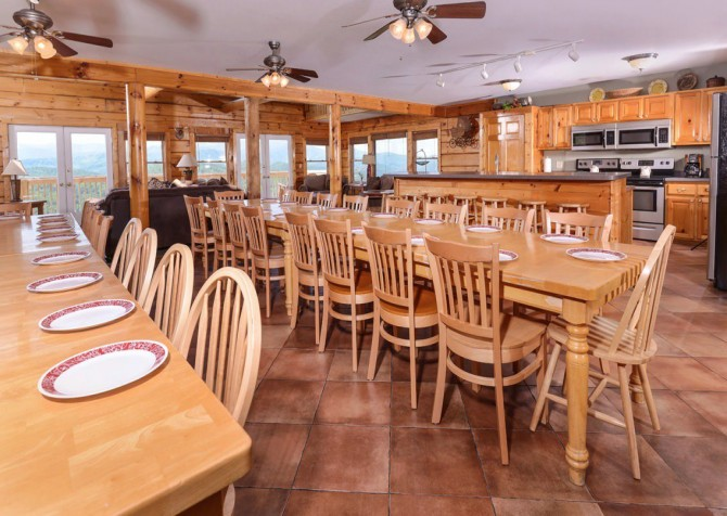 Pigeon Forge Cabin - Plimpton Lodge - Dining Room