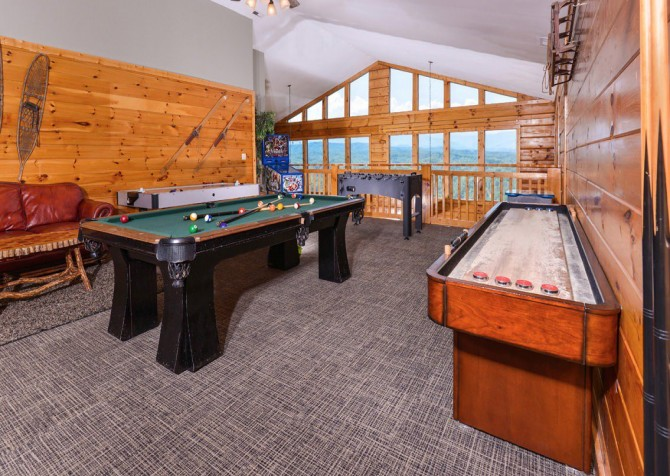 Pigeon Forge Cabin - Plimpton Lodge - Game Room