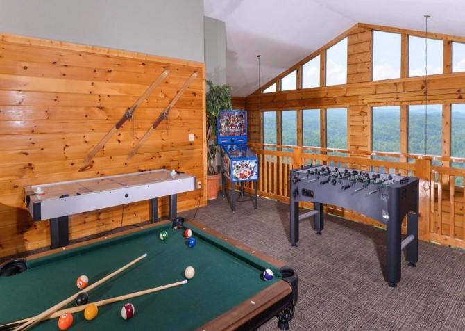 Pigeon Forge Cabin - Plimpton Lodge - Game Loft