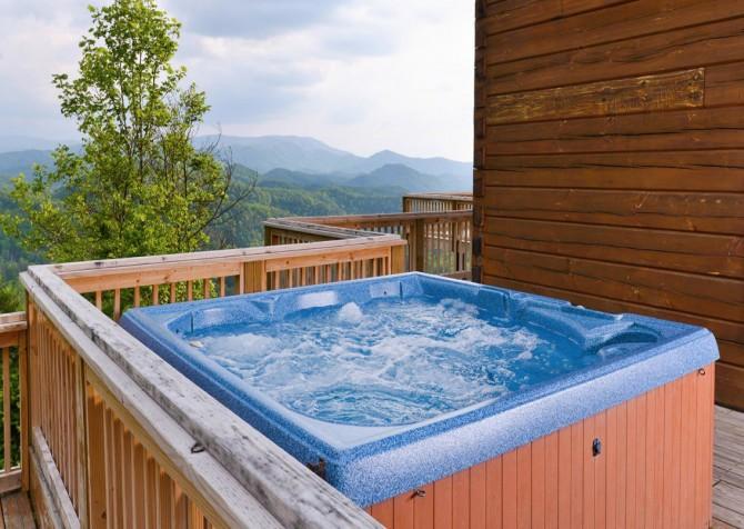 Pigeon Forge Cabin - Plimpton Lodge - Hot Tub