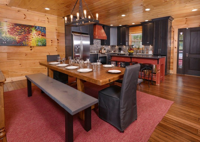 Pigeon Forge Cabin- Point of Grace – Dining Area