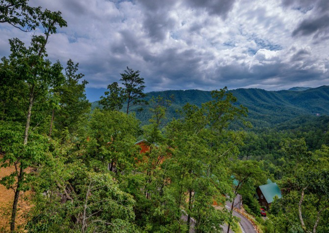 Pigeon Forge Cabin- Point of Grace – View