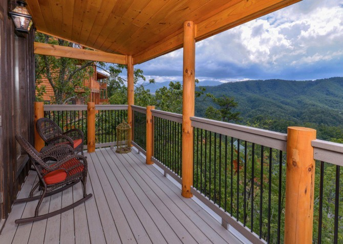 Pigeon Forge Cabin- Point of Grace – Rocking Chair View