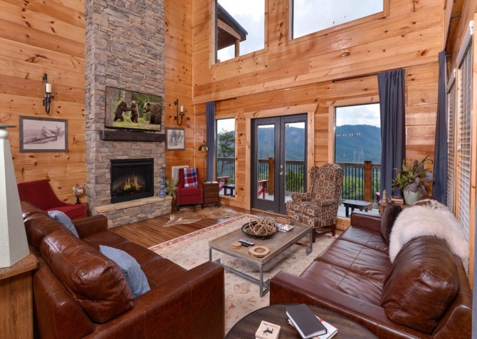 Pigeon Forge Cabin- Point of Grace – Living Room