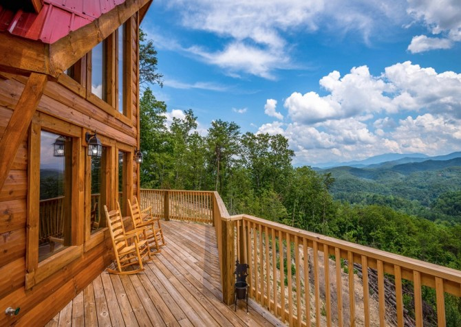 Pigeon Forge - A Point of View - Deck View