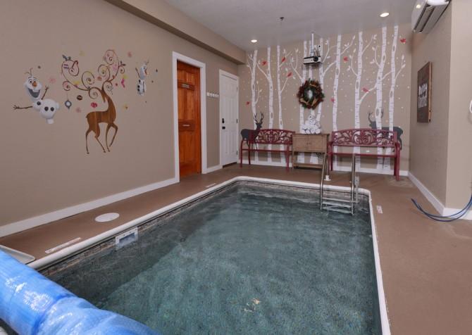 Pigeon Forge - Reindeer Bay - Pool Room