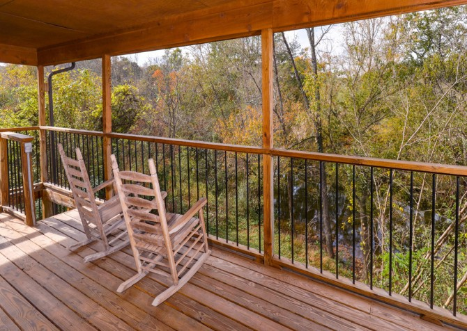 Pigeon Forge Cabin - River Retreat - Deck