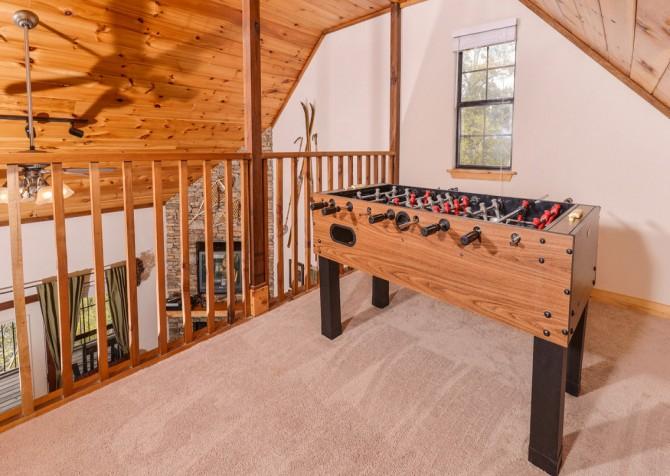 Pigeon Forge Cabin - River Retreat - Foosball