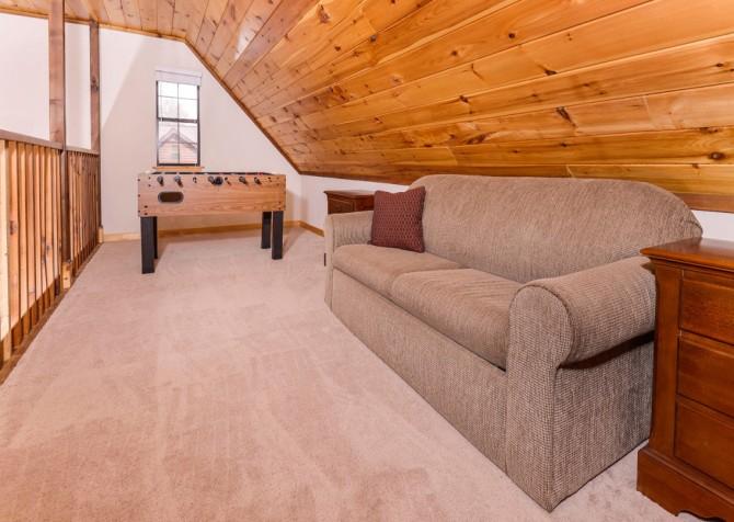 Pigeon Forge Cabin - River Retreat - Loft