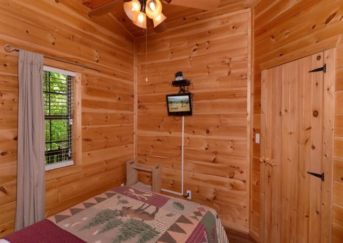Pigeon Forge - Rocky Top - Bedroom 1