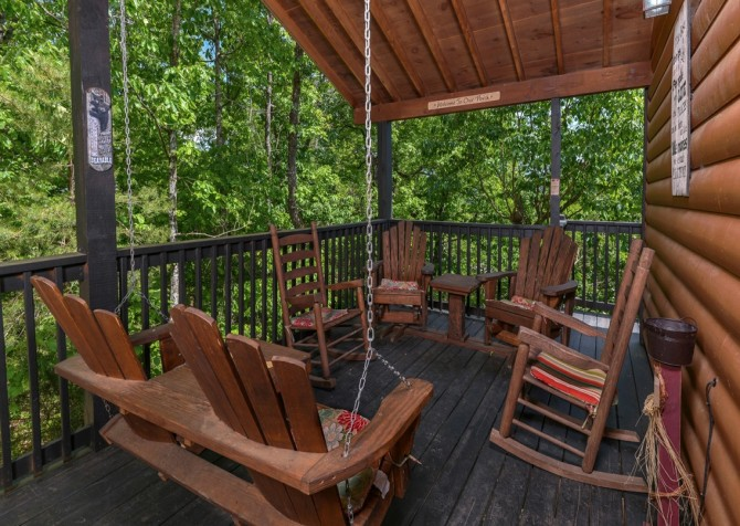 Pigeon Forge - Rocky Top - Deck Seating