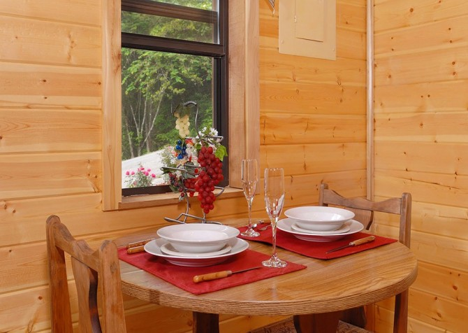Pigeon Forge - Romantic Retreat - Dining