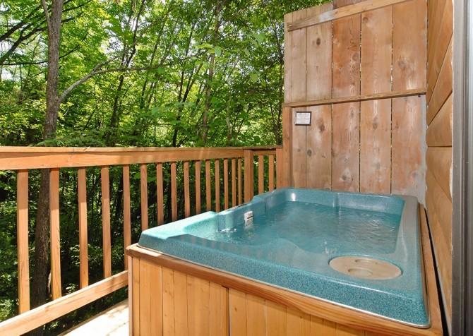 Pigeon Forge - Romantic Retreat - Hot Tub
