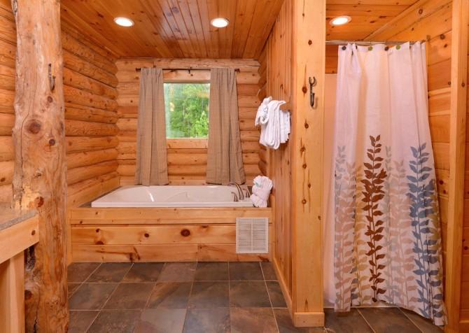 Pigeon Forge - Saddle Creek - Bathroom 1
