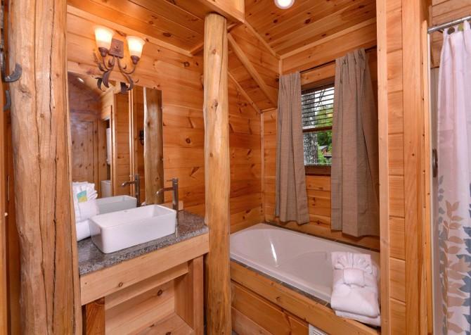 Pigeon Forge - Saddle Creek - Bathroom 2