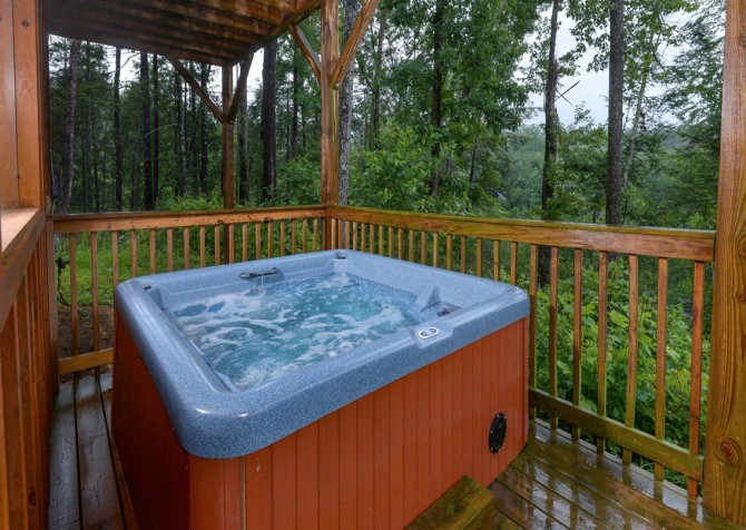 Pigeon Forge - Saddle Creek - Hot Tub
