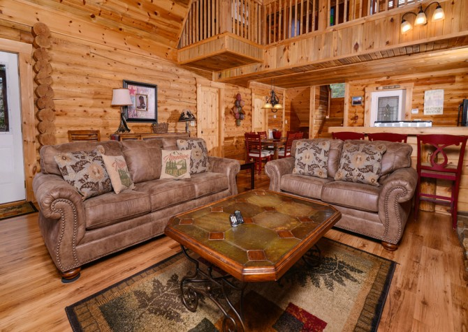Pigeon Forge - Saddle Creek - Living Room Seating