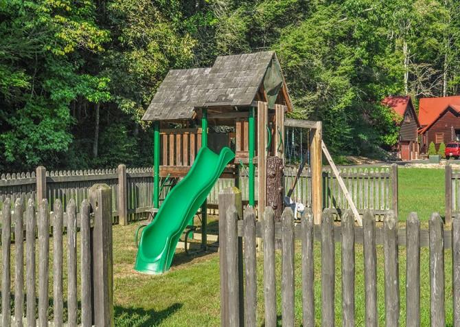 Pigeon Forge - Cedar Falls Resort - Playground