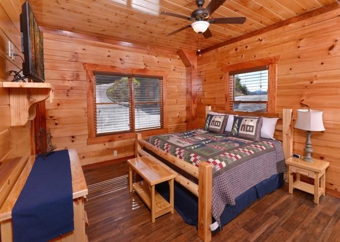 Pigeon Forge - Savannah Splash - Bedroom