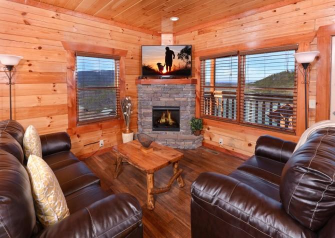 Pigeon Forge - Savannah Splash - Living Room