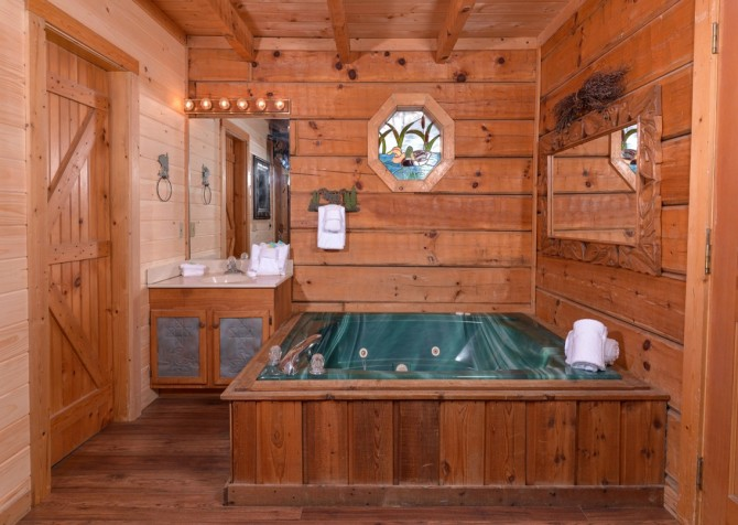 Pigeon Forge - A Secret Romance - Indoor Jetted Tub