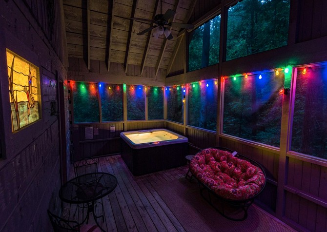 Pigeon Forge - A Secret Romance - Hot Tub Twilight