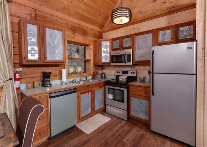 Pigeon Forge - A Secret Romance - Kitchen
