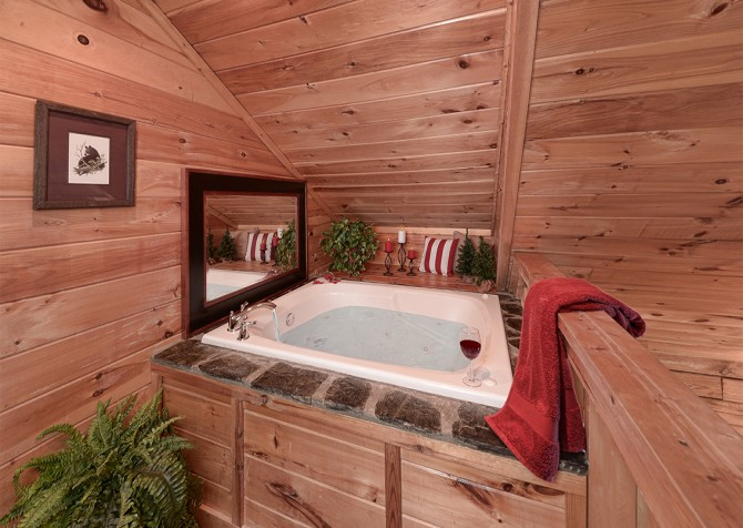 Pigeon Forge - Serendipity - Indoor Jetted Tub
