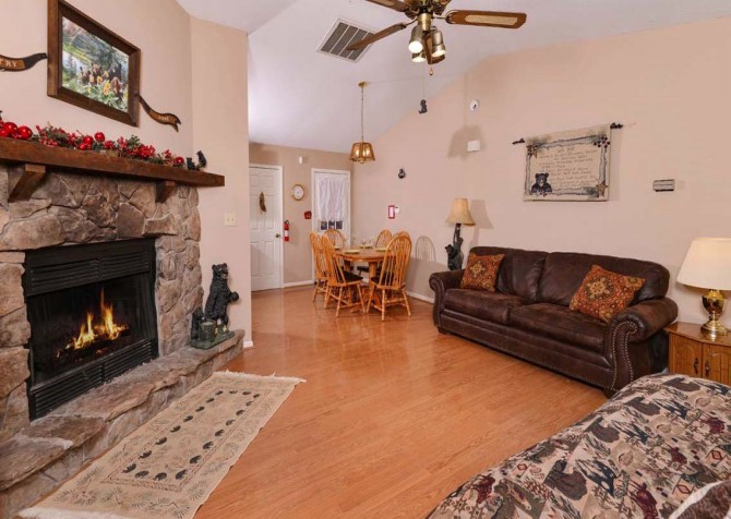 Pigeon Forge Cabin - Serenity - Living Room