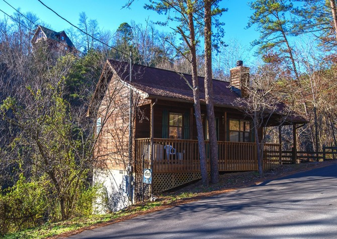 Pigeon Forge - Shades Of The Past - Exterior Cabin