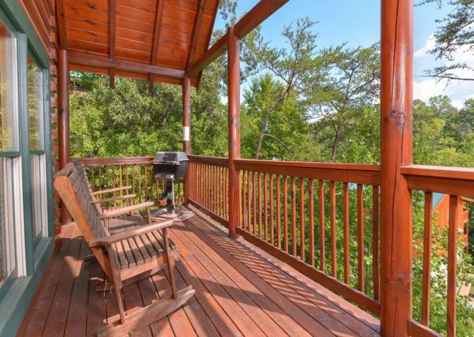 Pigeon Forge - Sherwood Sanctuary - Deck
