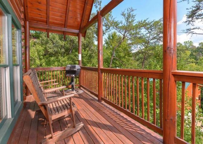 Pigeon Forge - Sherwood Sanctuary - Deck