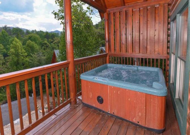 Pigeon Forge - Sherwood Sanctuary - Hot Tub