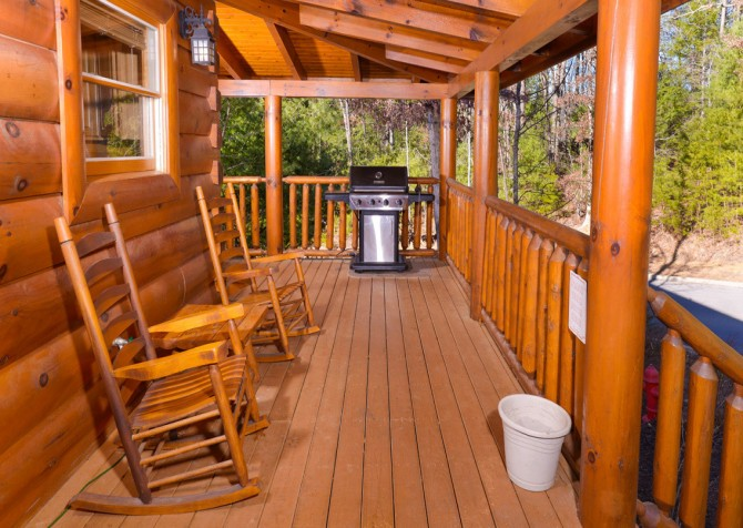 Pigeon Forge Cabins - Simply Amazing - Deck