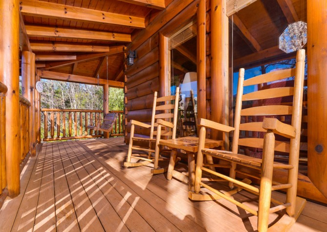 Pigeon Forge Cabins - Simply Amazing - Rocking Chairs