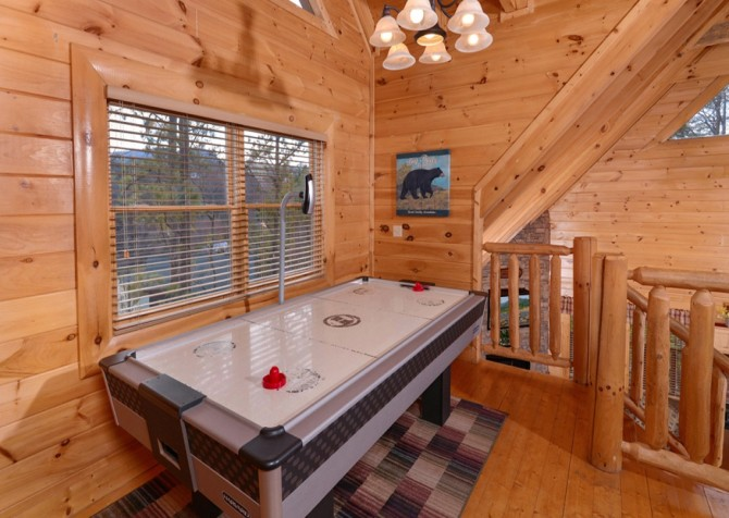 Pigeon Forge Cabins - Simply Amazing - Air Hockey Table