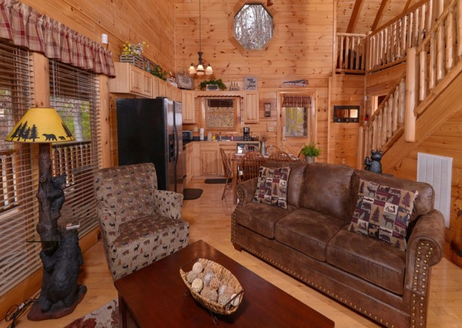 Pigeon Forge Cabins - Simply Amazing - Living Room