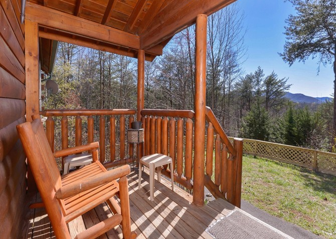 Pigeon Forge Sky Surfer Covered Deck