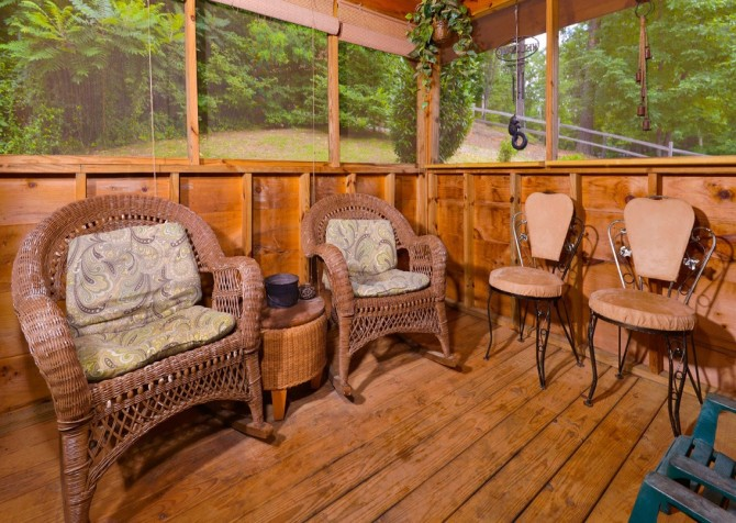 Pigeon Forge Sky Surfer Deck Seating
