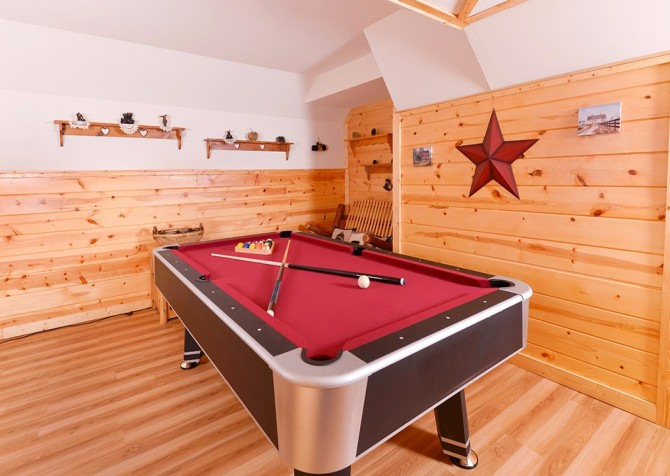 Pigeon Forge Sky Surfer Recreation Room