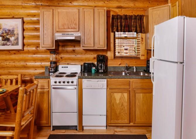 Pigeon Forge Smoky Mountain Retreat Kitchen