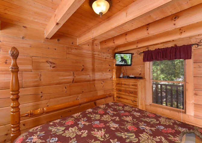 Pigeon Forge - A Smoky Mountain Rose - Bedroom