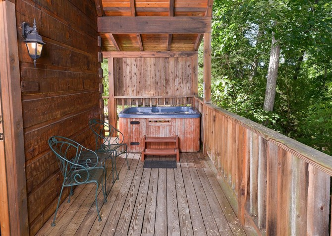 Pigeon Forge - A Smoky Mountain Rose - Back Deck