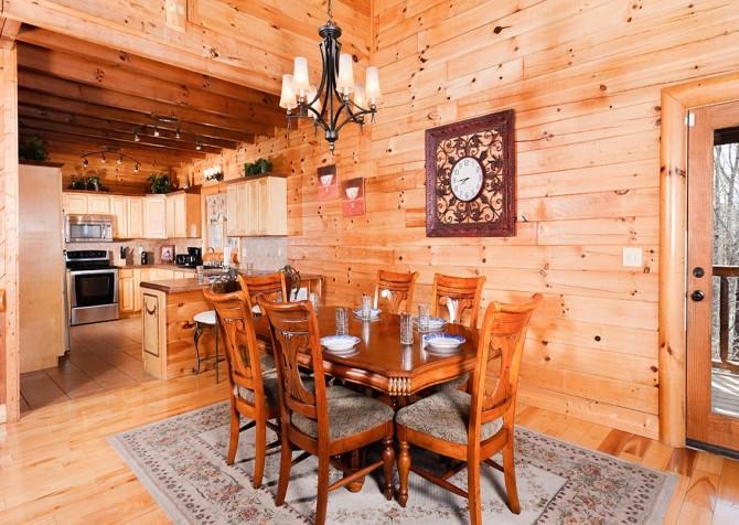 Pigeon Forge Smoky Mountain Splash Dining Room