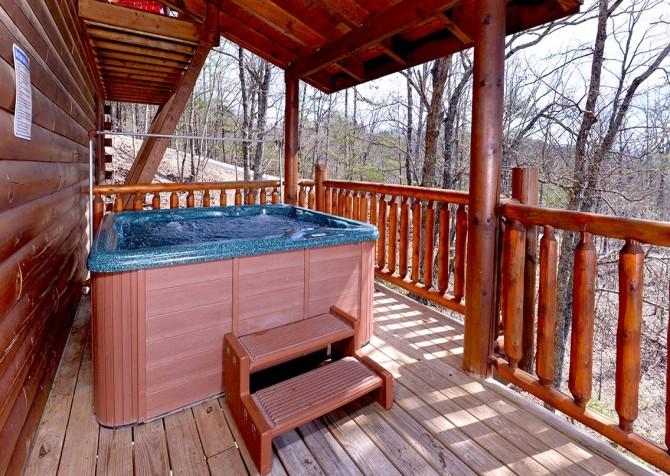 Pigeon Forge Smoky Mountain Splash Hot Tub