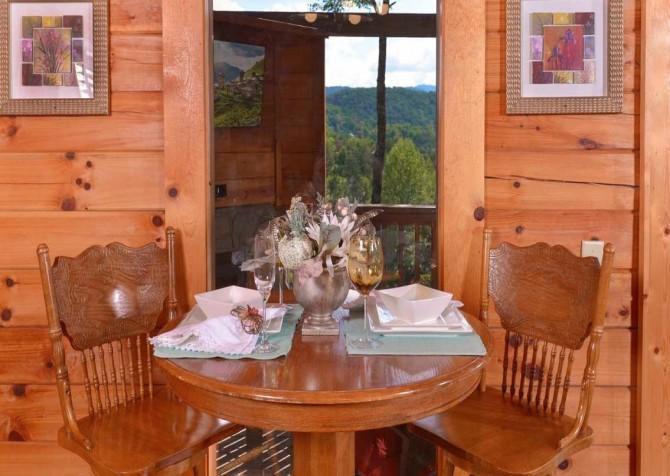 Pigeon Forge Splash of Romance Dining Room