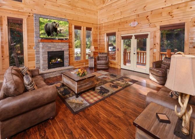 Pigeon Forge Splashin' Bears Retreat Living Room